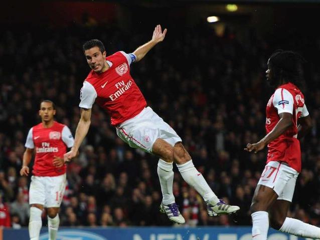 Van-Persie-scores-Arsenal